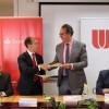 Firma del convenio con Banco Santander para la puesta en marcha de la AppCRUE
